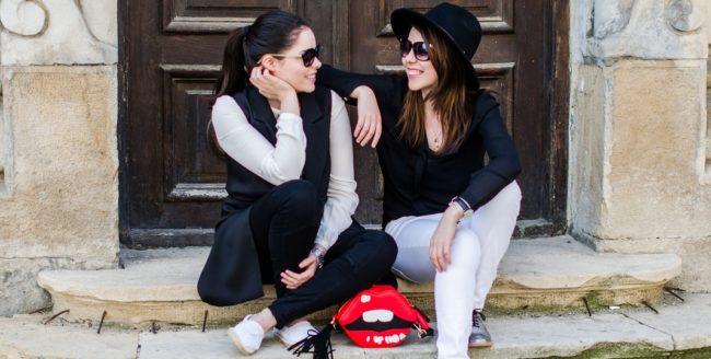 """[Interviu] Cristina și Dorina Geicu: """"E bine să investești într-o piesă vestimentară basic, să poți să o porți oricând și să arăți elegant"""""""