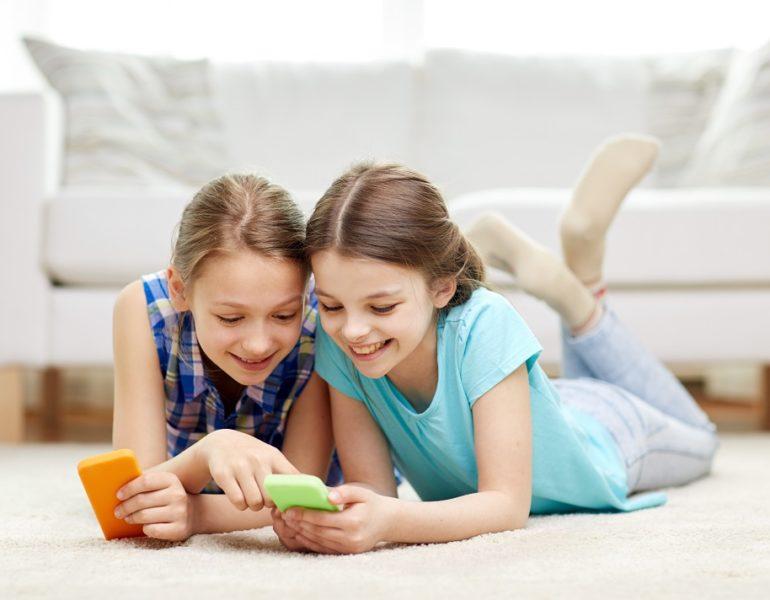 copii-cu-telefoane