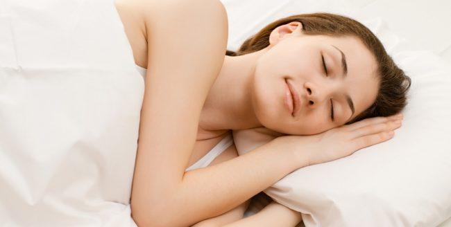 femeie-dormind