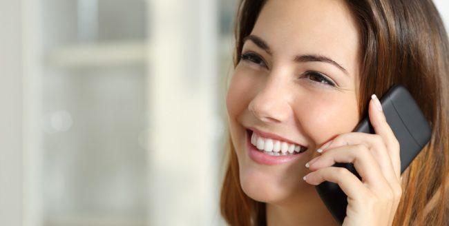 Românii au vorbit la telefoanele mobile 36 de miliarde de minute în 2016