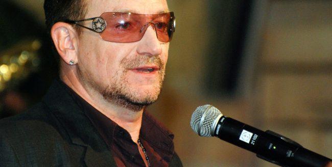 """Bono, primul bărbat al anului """"Glamour"""""""