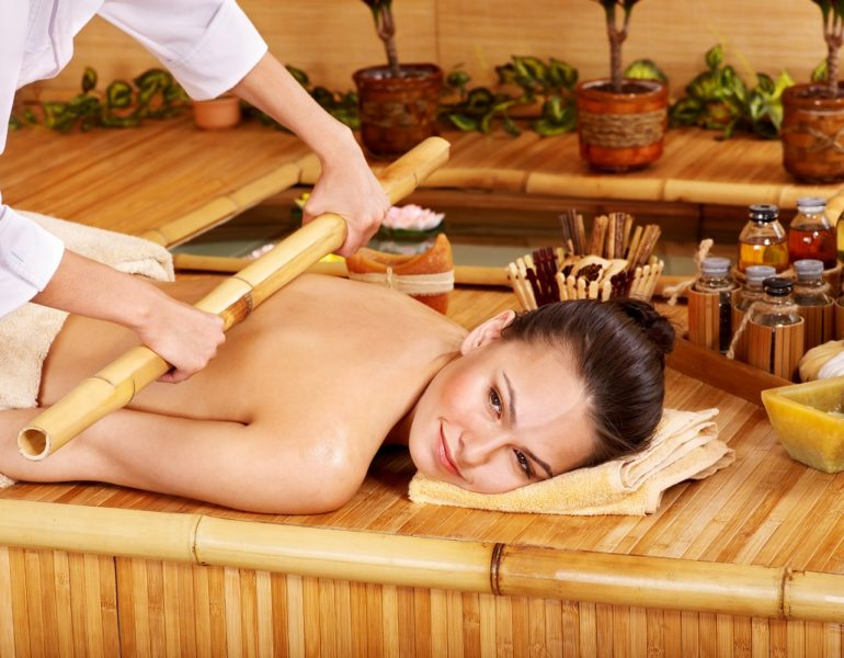 masajul cu bețe de bambus