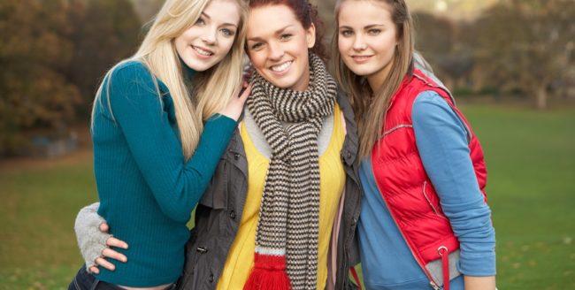 Cum să recunoști prietenii falși din viața ta