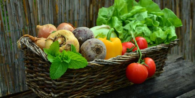 Trucuri pentru a curăța legumele și fructele de pesticide