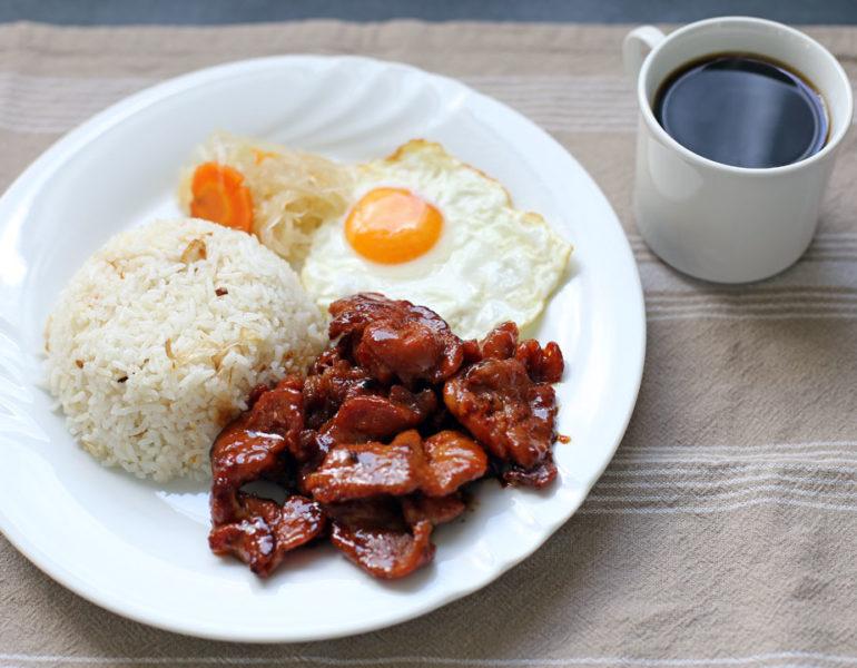 mic dejun filipinez tocilog