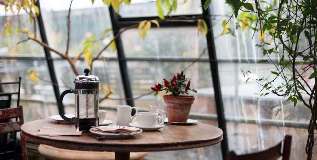 De ce se prepară diferit ceaiul și cafeaua