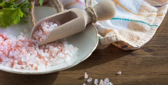 Care este diferența dintre sarea roz de Himalaya și sarea de masă?