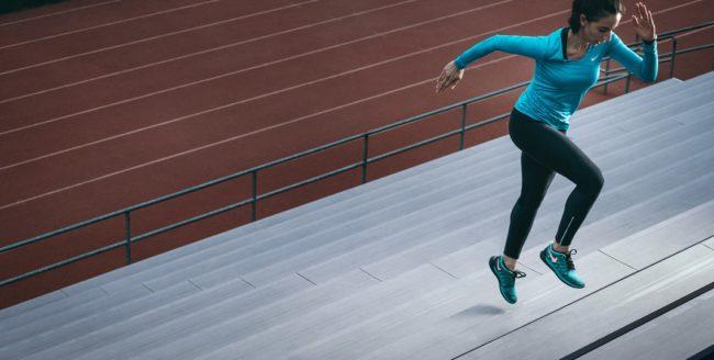 4 motive pentru a purta haine de sport în timpul exercițiilor fizice