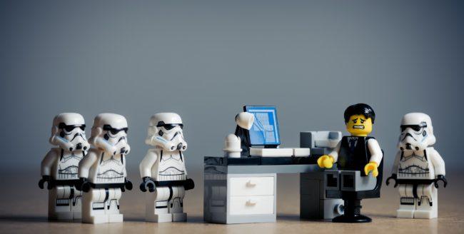 Cadouri LEGO potrivite pentru pasionații de toate vârstele