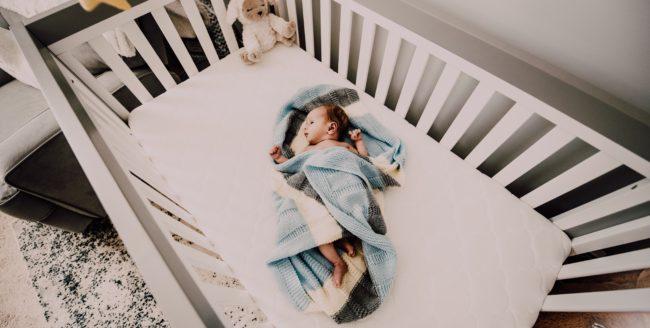 Cum să amenajezi camera bebelușului