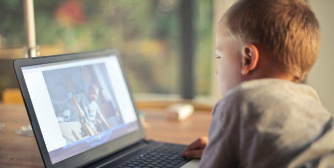 Cât de sigur este internetul pentru copilul tău?